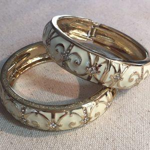 Jewelry - Pair of elegant enameled bangles